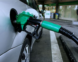 India eyes diesel price rise, fuel consumption curbs
