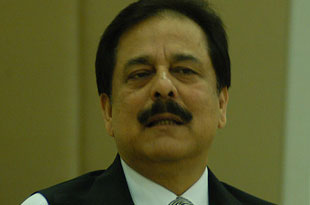 Supreme Court issues non-bailable warrant against Sahara chief Subrata Roy