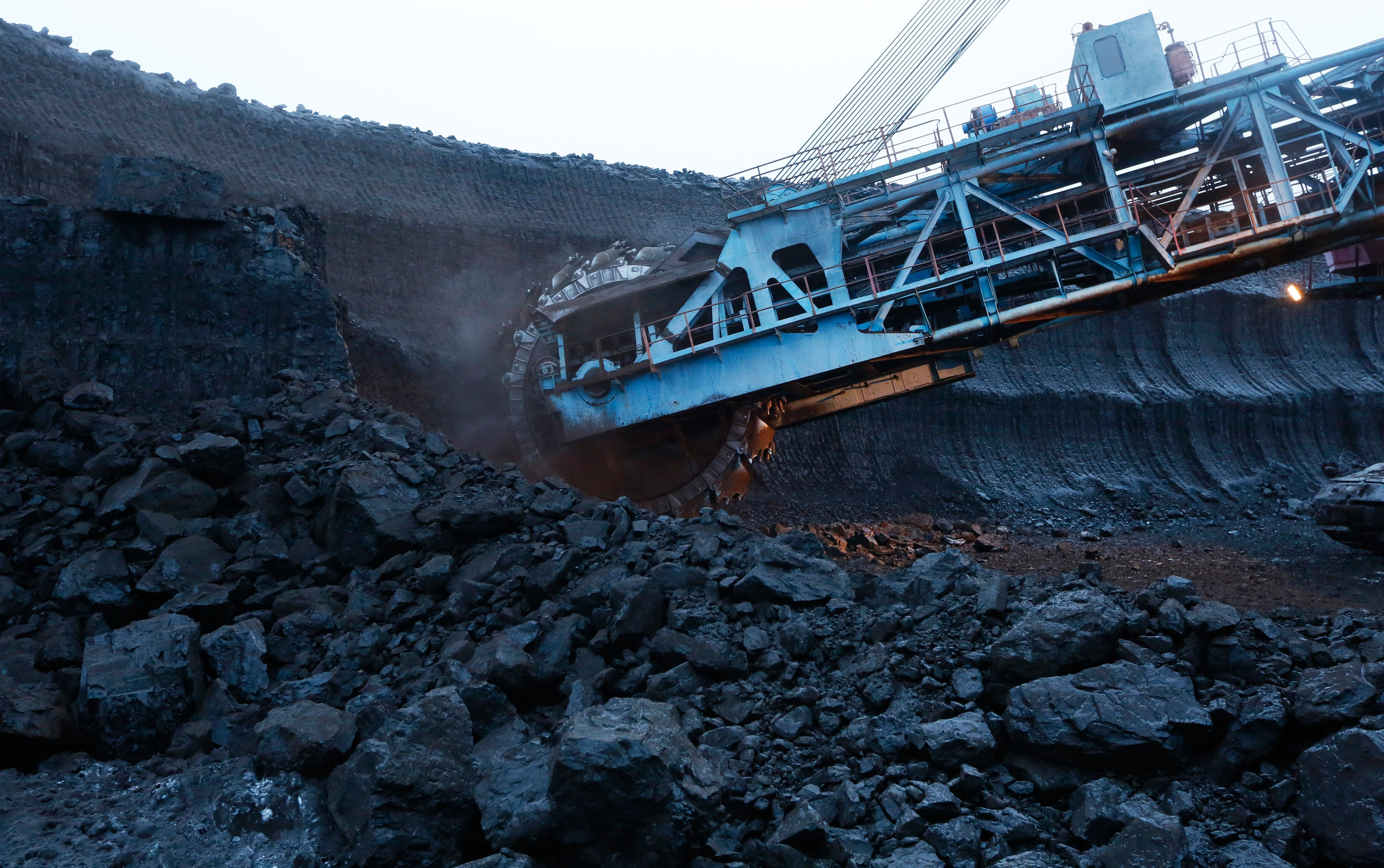 Govt expected to mop up around $4B by selling 10% stake in Coal India on Friday