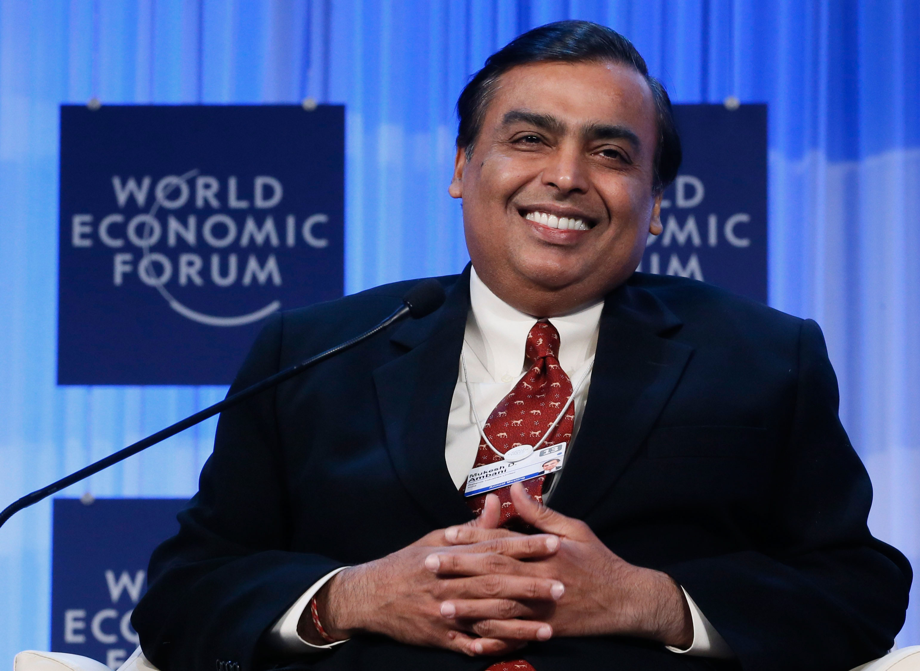 Reliance Inds profit skids 4.5% in Q3, first in over two years