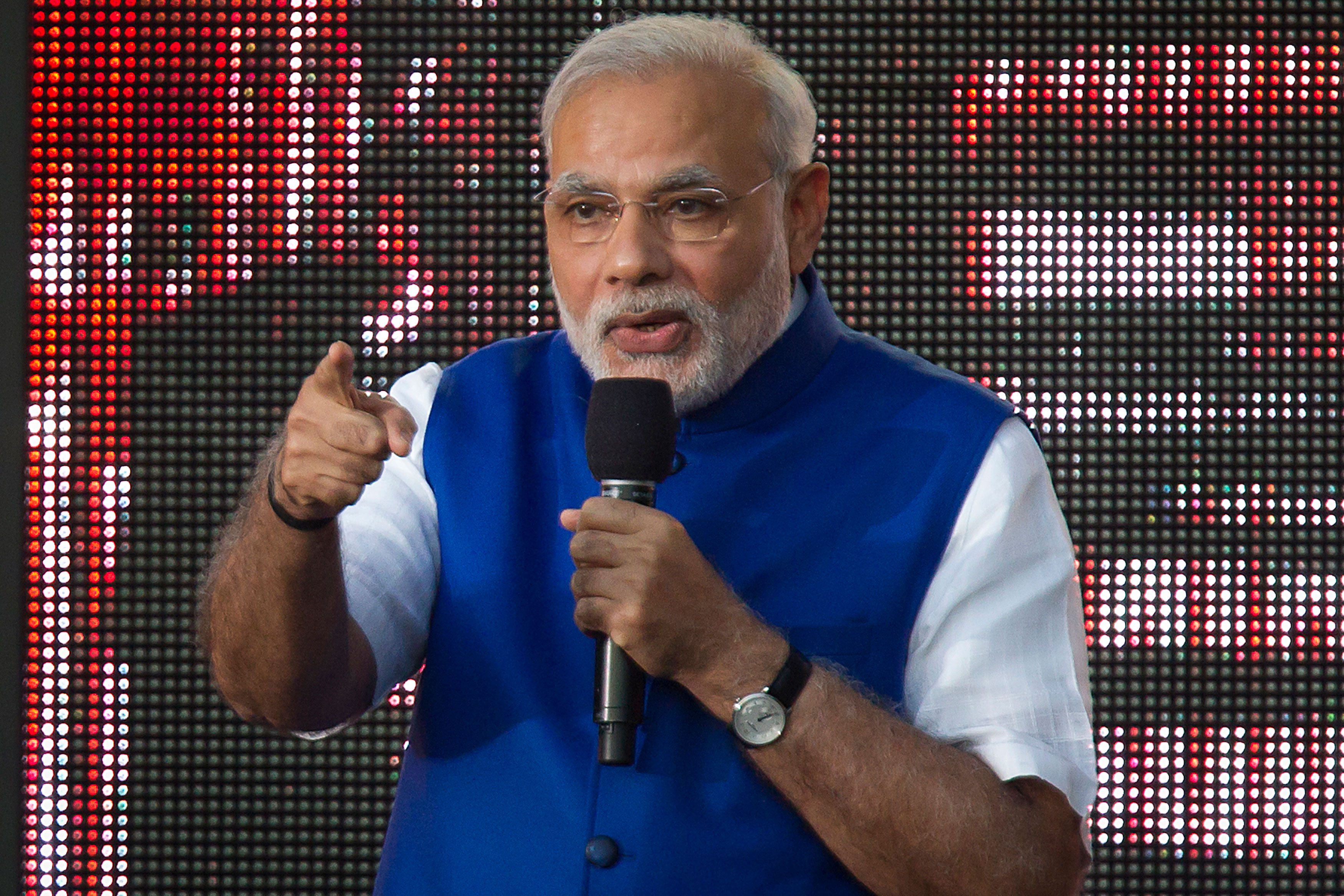 Modi replaces Planning Commission with Niti Aayog