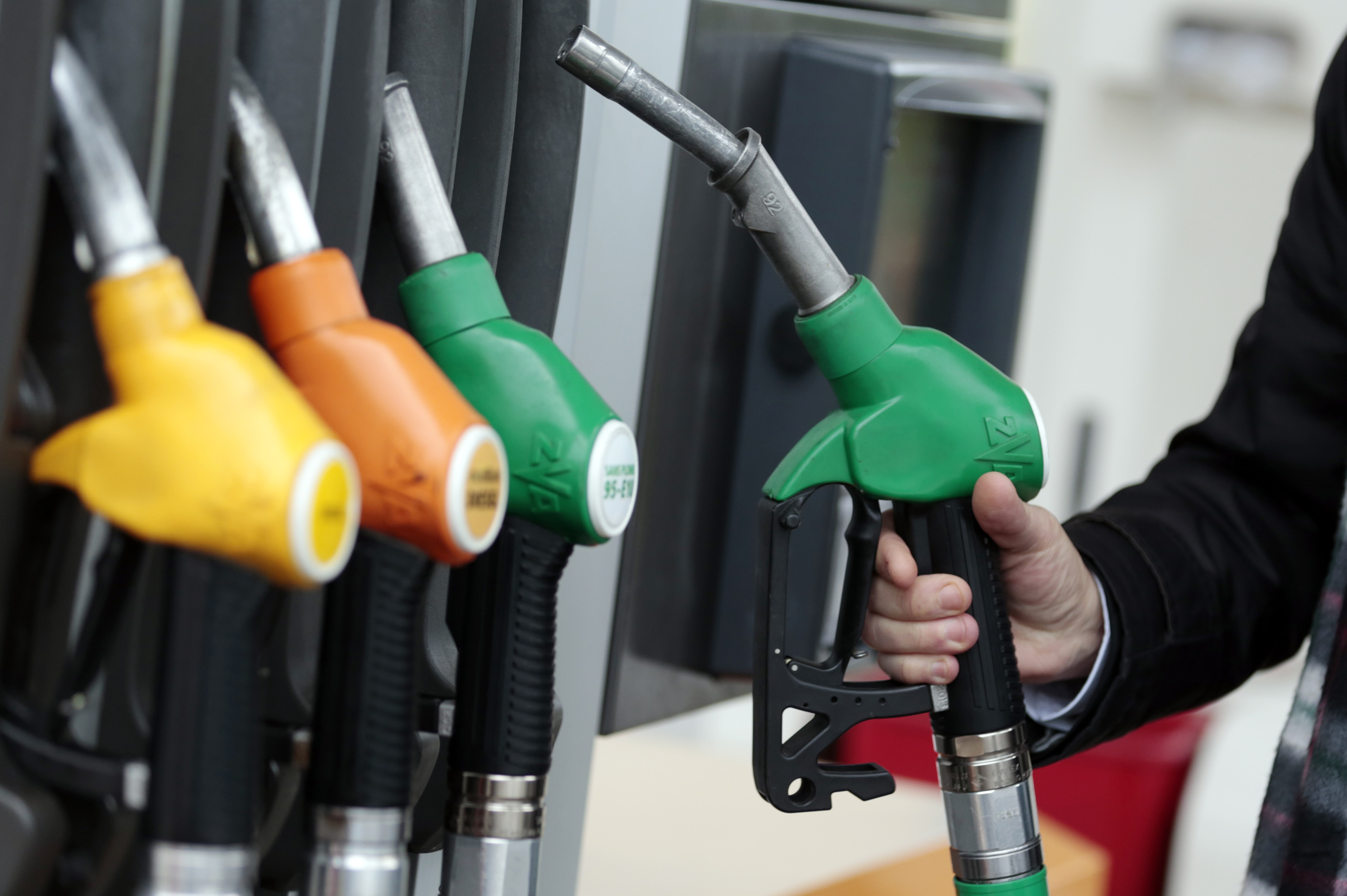 Govt cuts retail price of petrol and diesel even as crude price rises