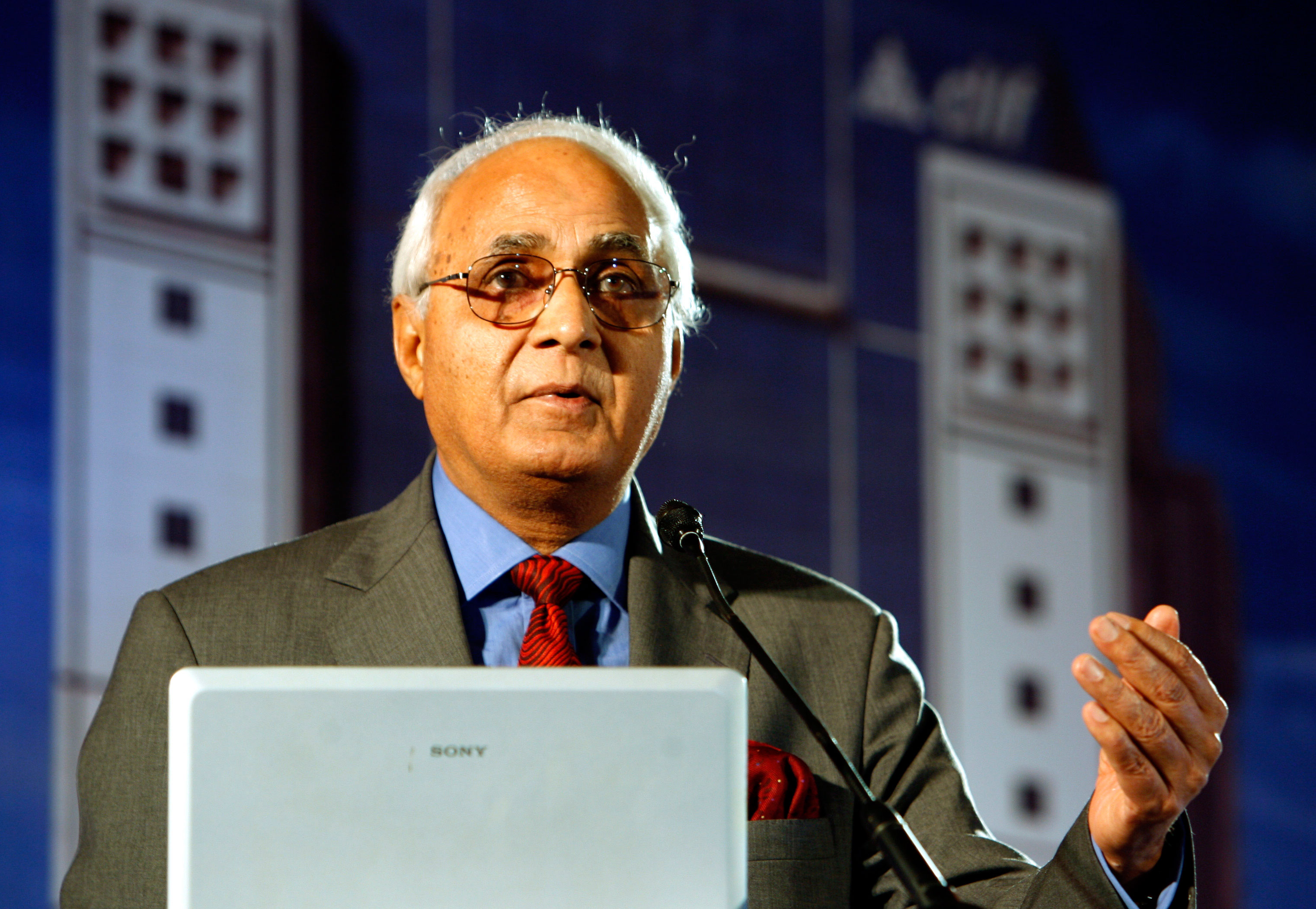 SC terms 'unacceptable' out-of-turn listing of DLF plea