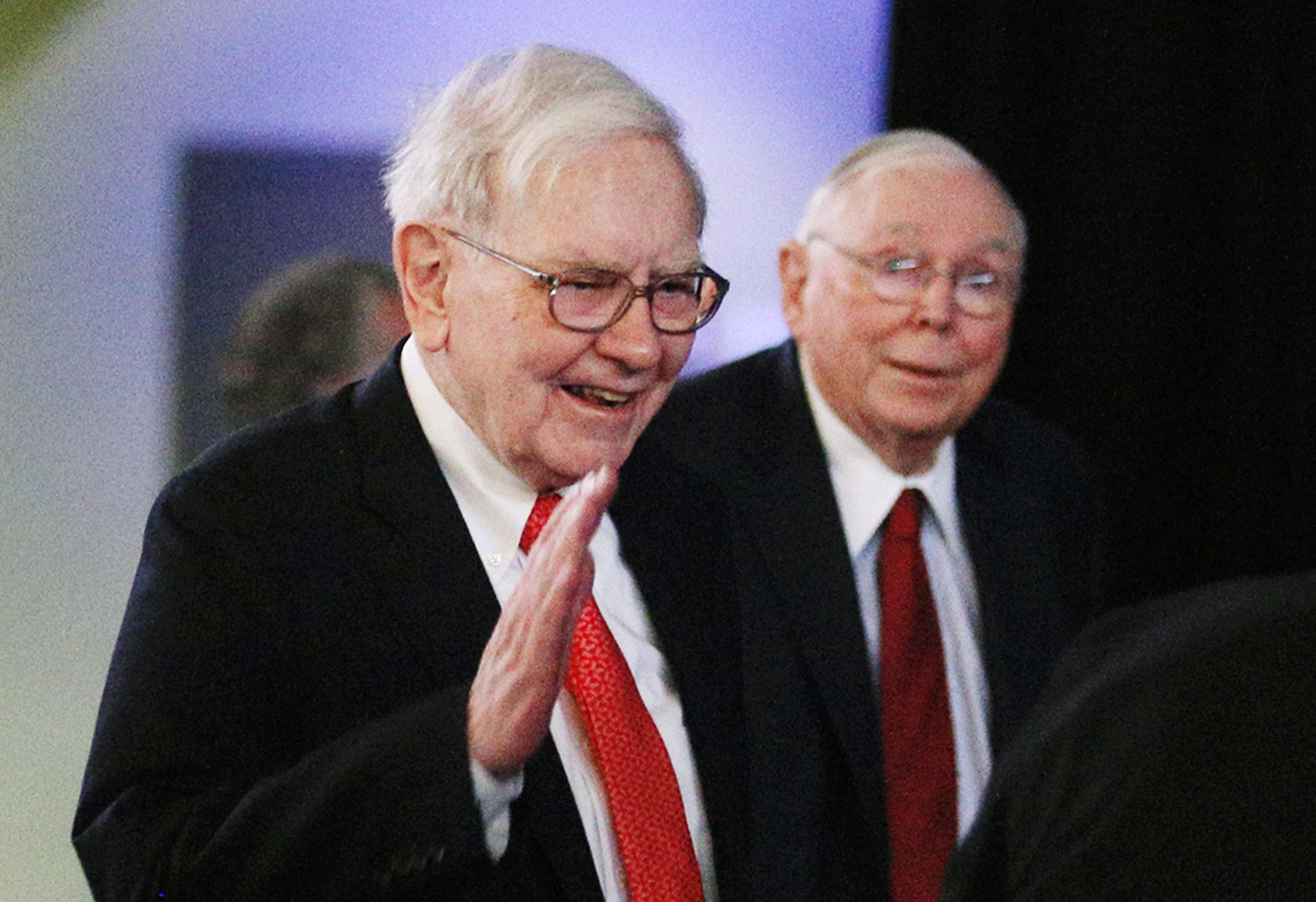 Berkshire Hathaway keeps people guessing on successor