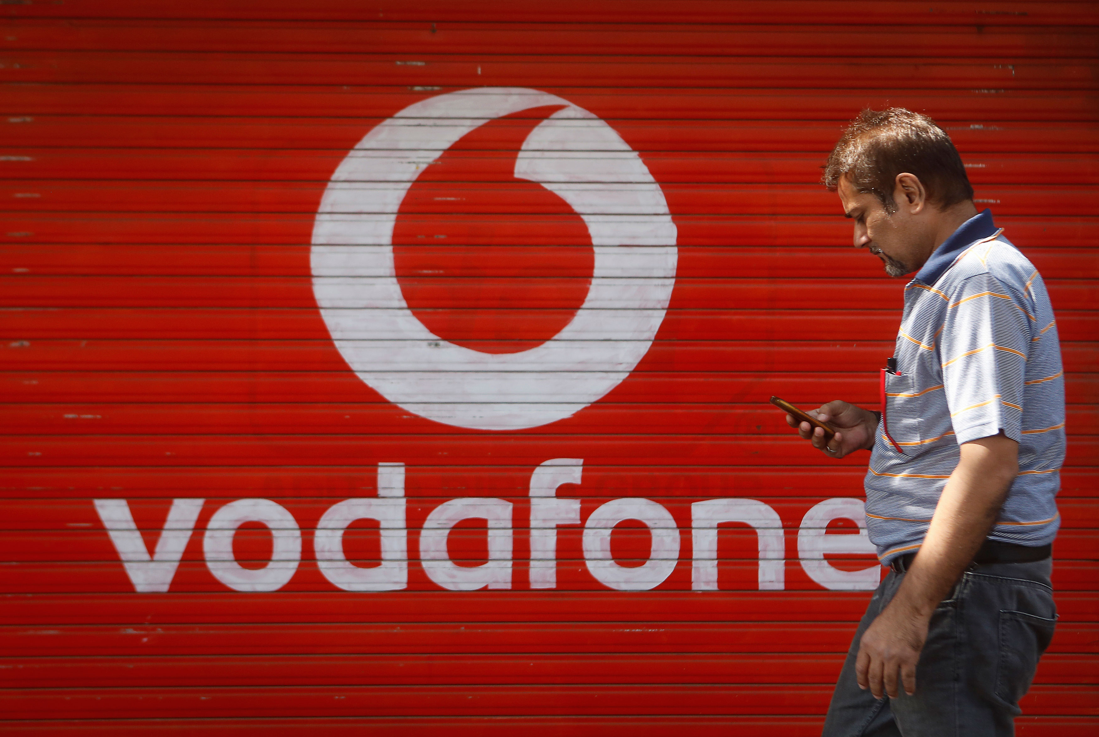 Vodafone sells remaining 4 2% stake in Bharti Airtel for