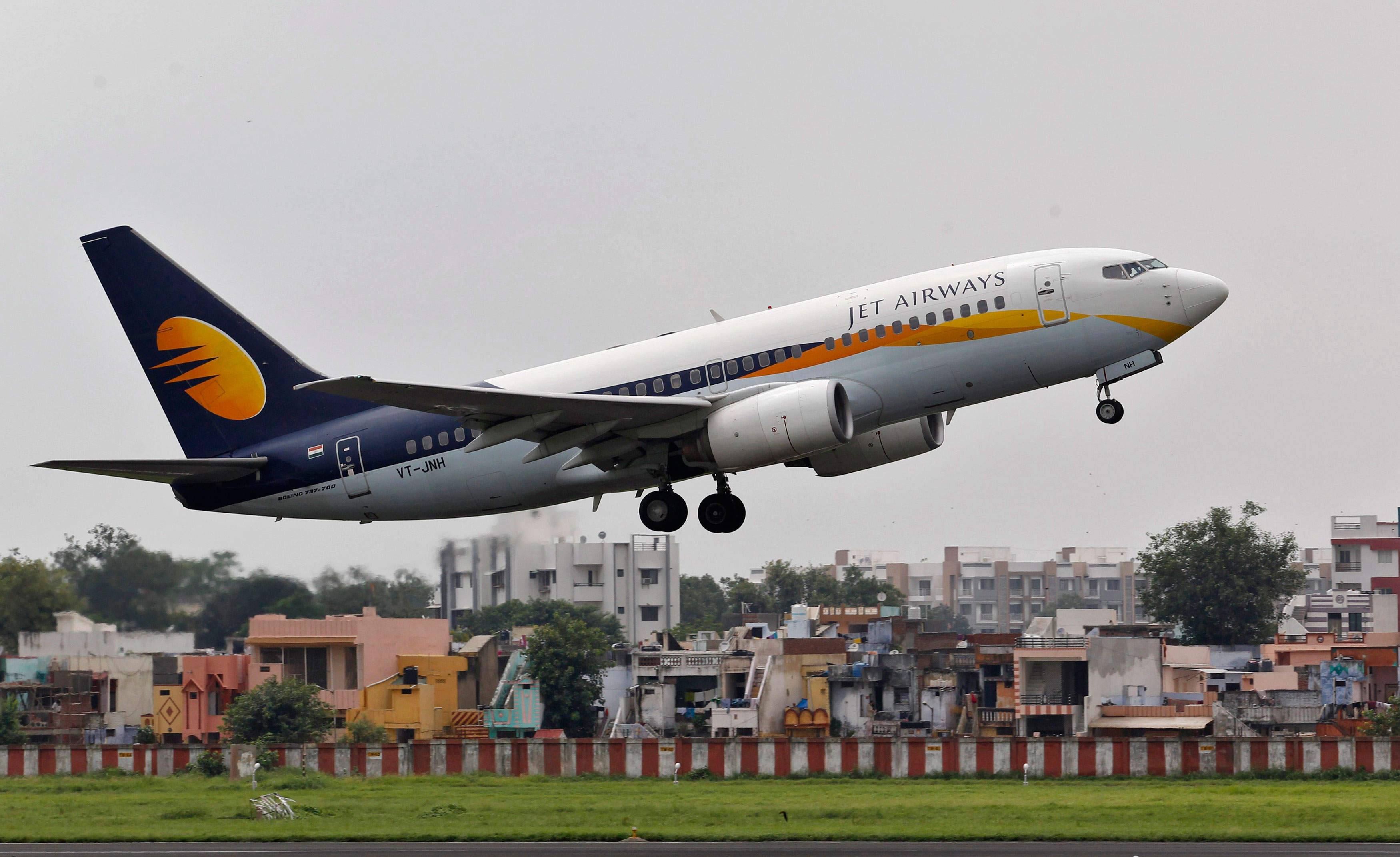 Jet Airways back in profit in Q1 helped by low fuel cost, revenues up 11%
