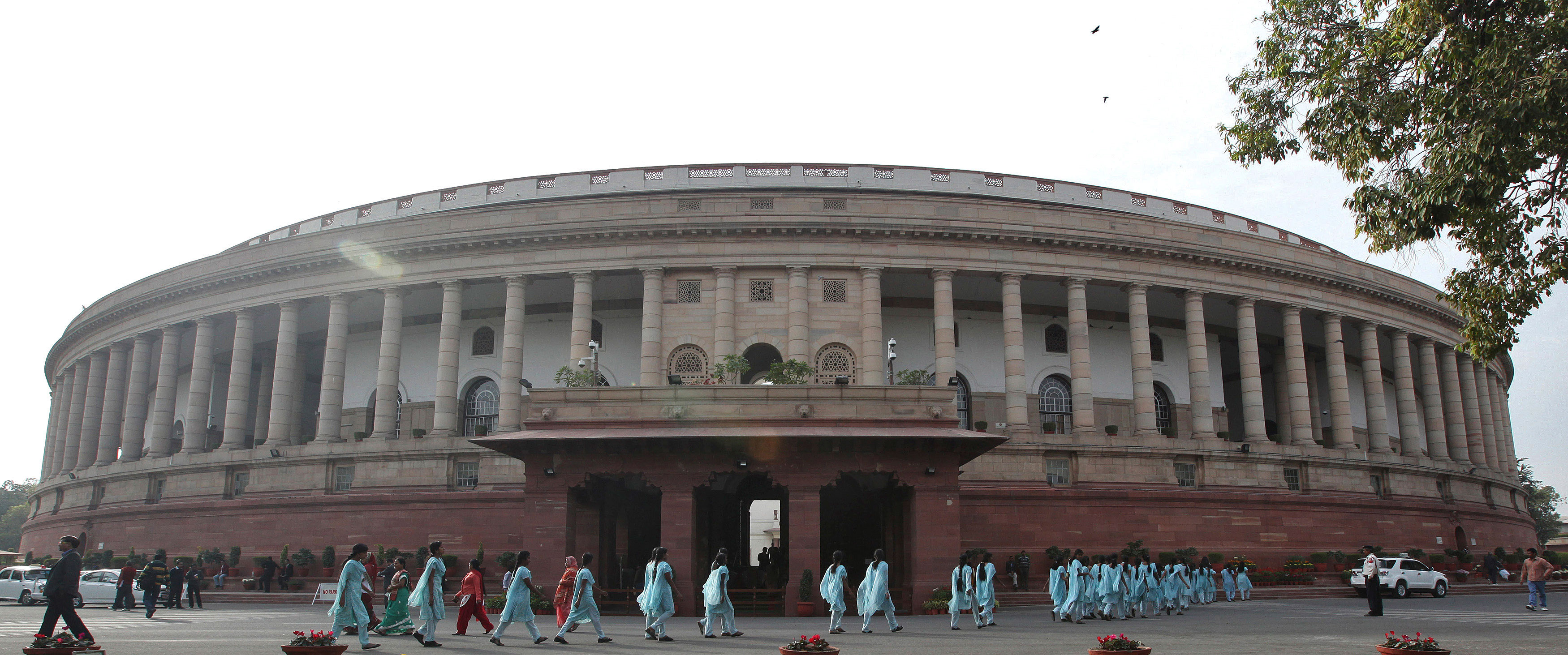 Lok Sabha passes bill to deal with cheque bounce cases