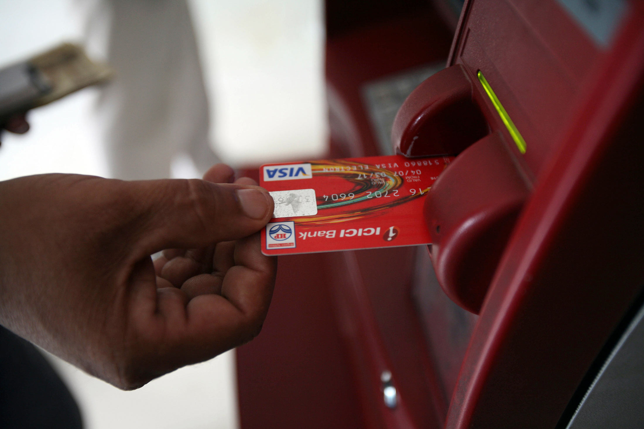 Cabinet allows 100% FDI in white labelled ATMs