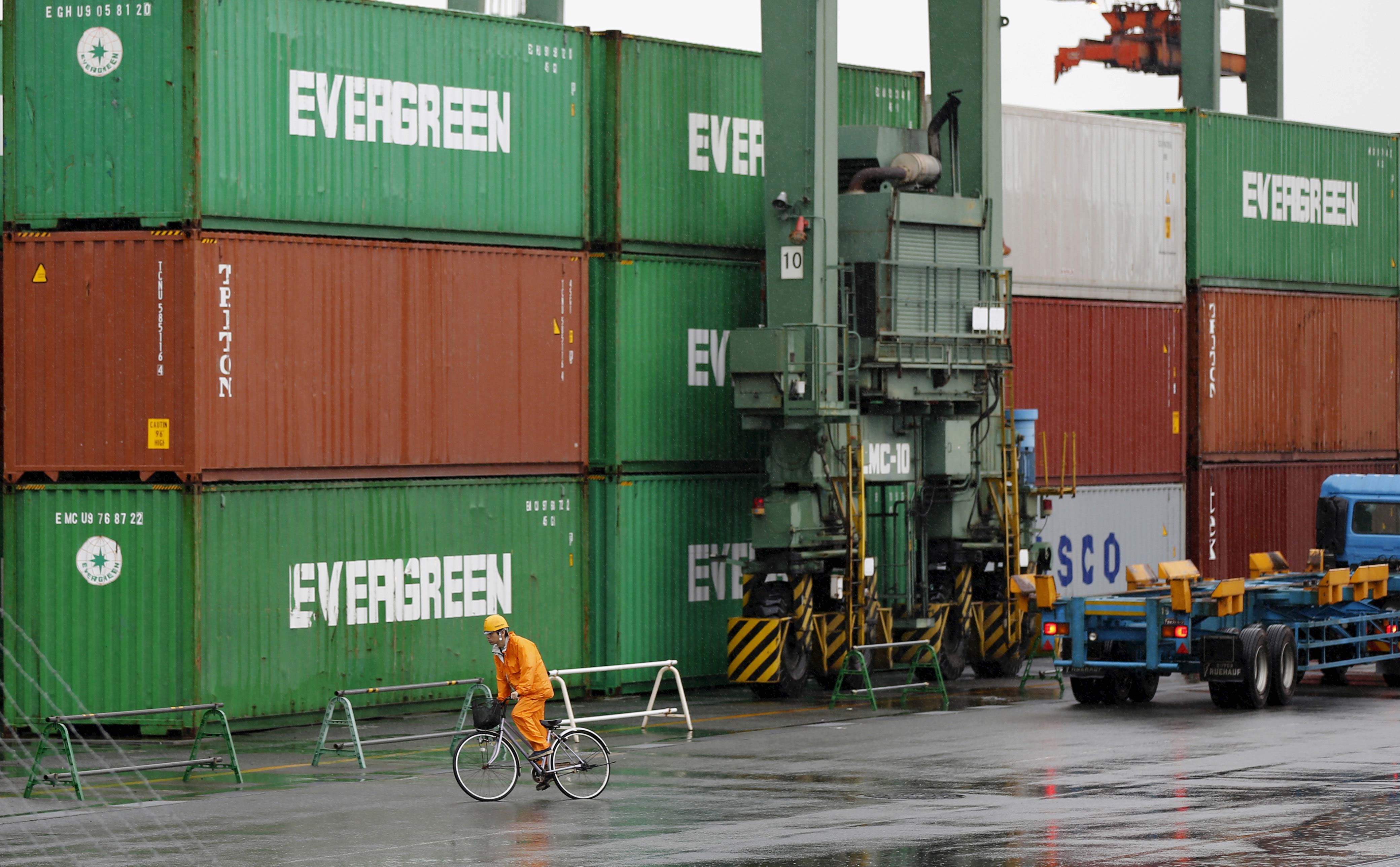 Exports dip for ninth month in a row in August