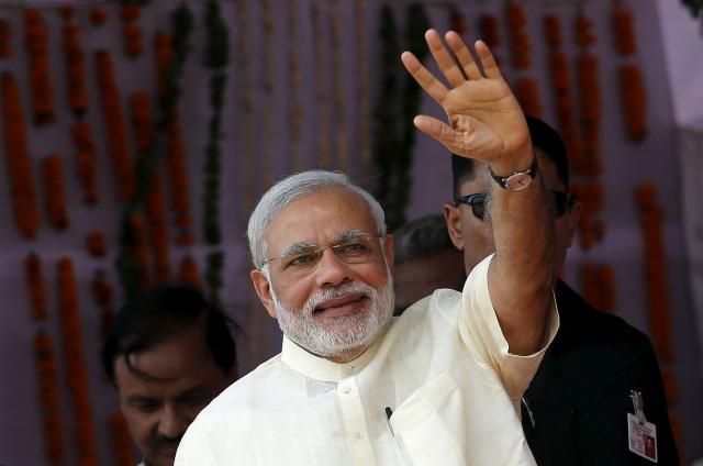 PM asks India Inc to take risk, invest