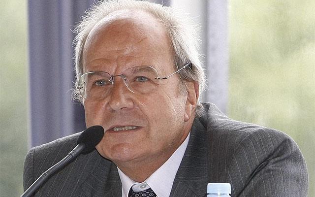 French businessman picks up stake in Warburg Pincus