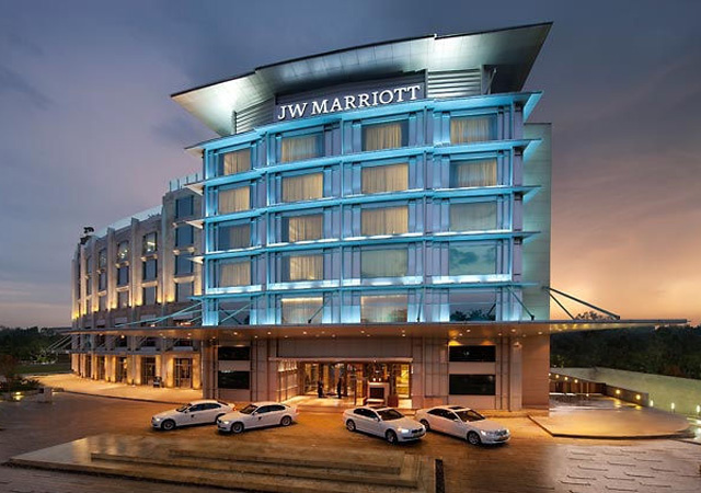 Marriott to buy Starwood for $12.2B to create top hotels firm