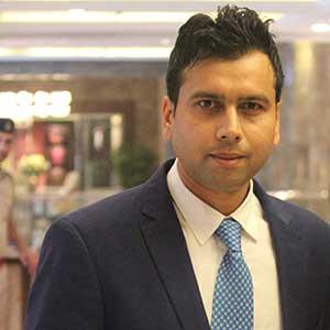Deyor Rooms gets $500K from Redcliffe's Jain, others
