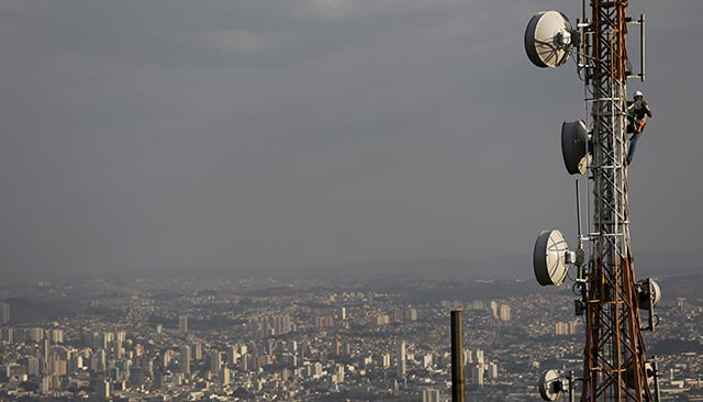 Idea to buy spectrum from Videocon Telecom for $500M
