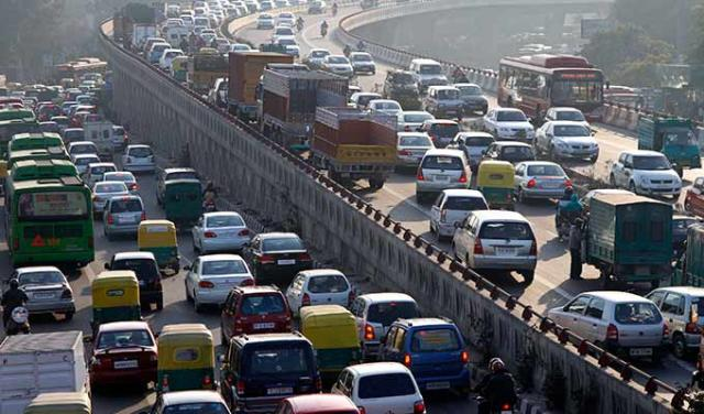Delhi government curbs vehicle use to combat pollution