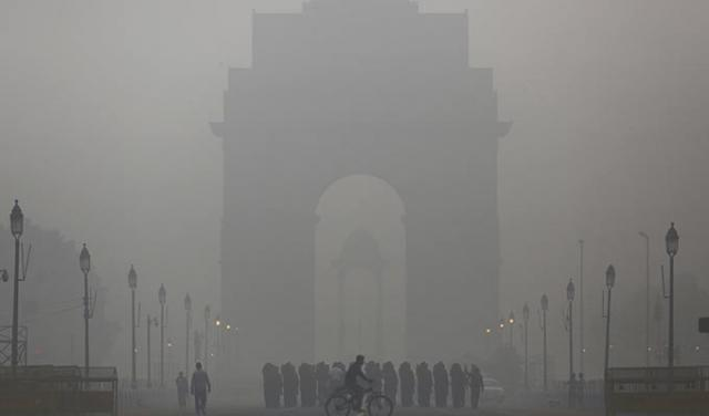 Delhi government looks for startups to curb pollution