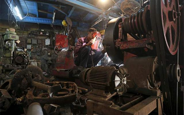 Manufacturing uptick accelerates GDP growth to 7.4% in Q2