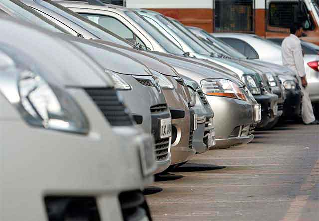 Car sales rise 13% in December on year-end discounts