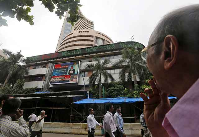 Sensex falls on global worries, Cognizant's muted guidance