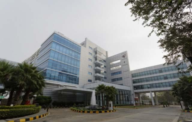 RMZ Corp to buy Essar's Equinox Business Park for $353M