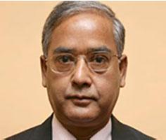 UK Sinha stays as SEBI chief