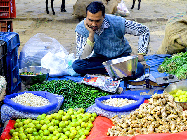 Wholesale price declines again in January as food prices ease