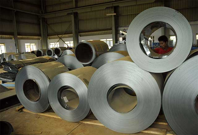India extends safeguard duty on steel imports till March 2018