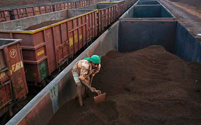 Railways to charge uniform freight charges for domestic iron ore consumption and exports