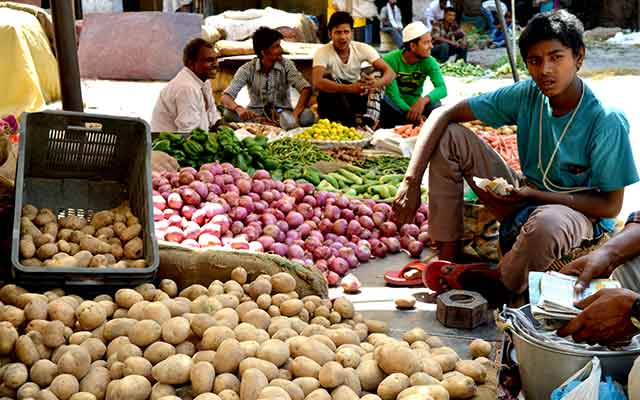India wholesale prices rise after 17 months in April