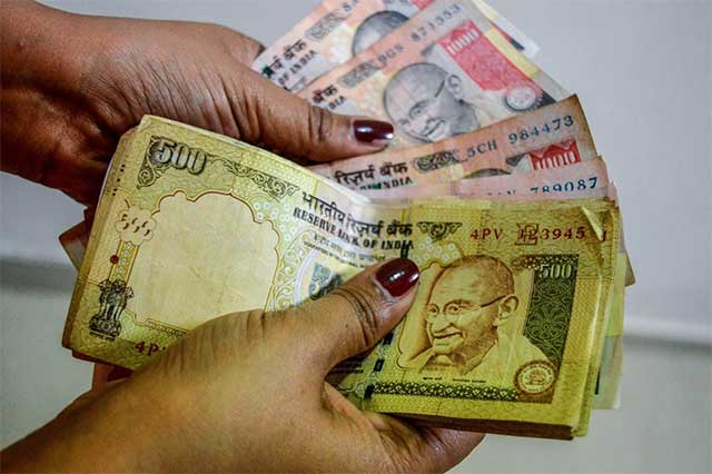 Cabinet clears pay hike for central govt staff