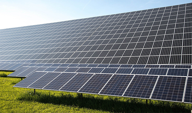 Govt bats for hybrid solar-wind power projects in draft policy