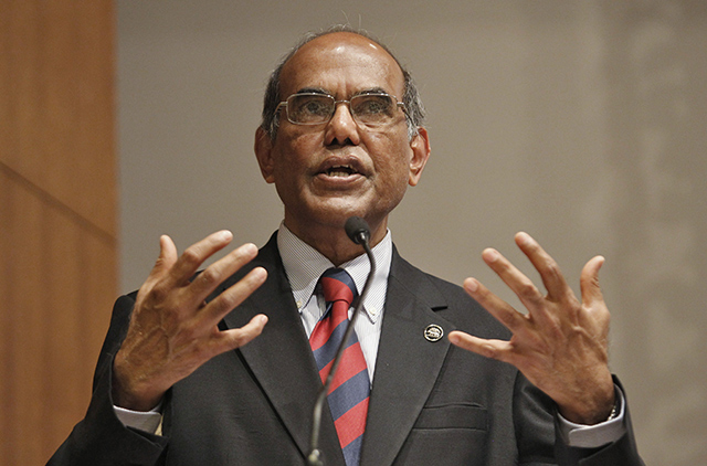 Chidambaram and Pranab Mukherjee put pressure over rate cuts, says former RBI guv Subbarao