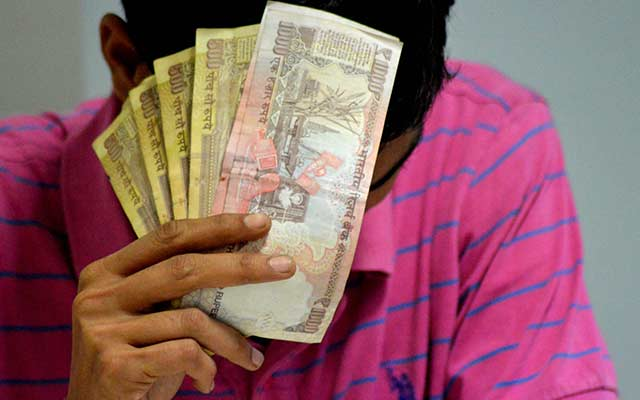 Lawyers challenge scrapping of Rs 500 and Rs 1,000 notes