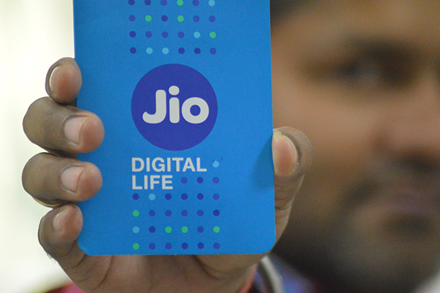 Seven things you want to know about Jio in the times of demonetisation
