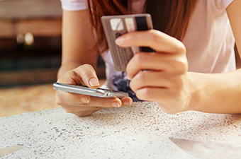 Can the humble Aadhaar Pay slay digital wallets?