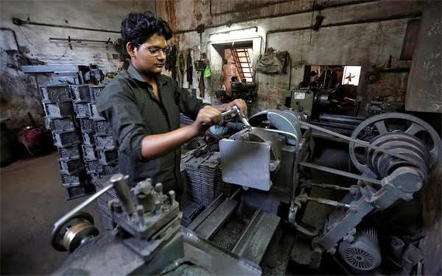 India GDP grows 7% in Oct-Dec despite note ban woes