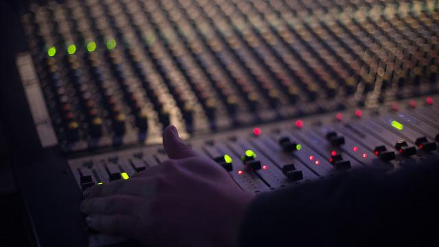 FM radio operator Music Broadcast trims gains after strong market debut