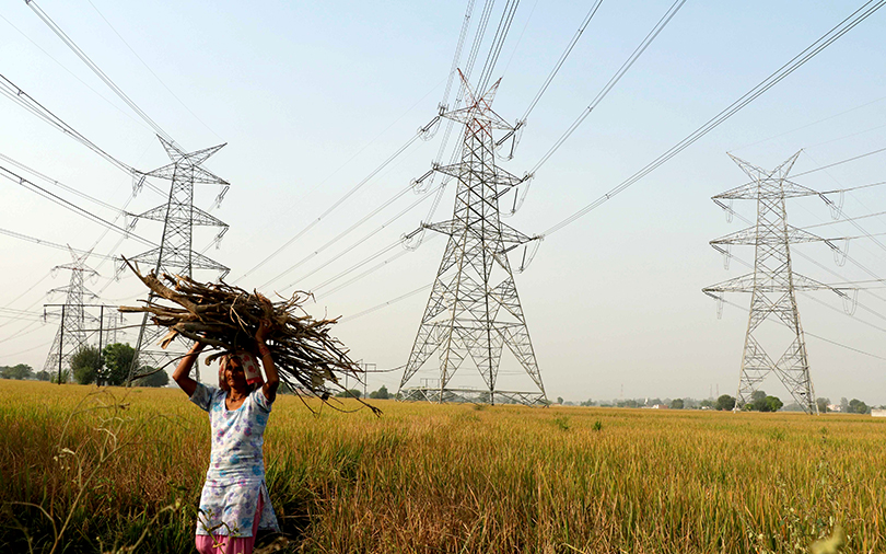 Govt may extend tax benefits to big power projects