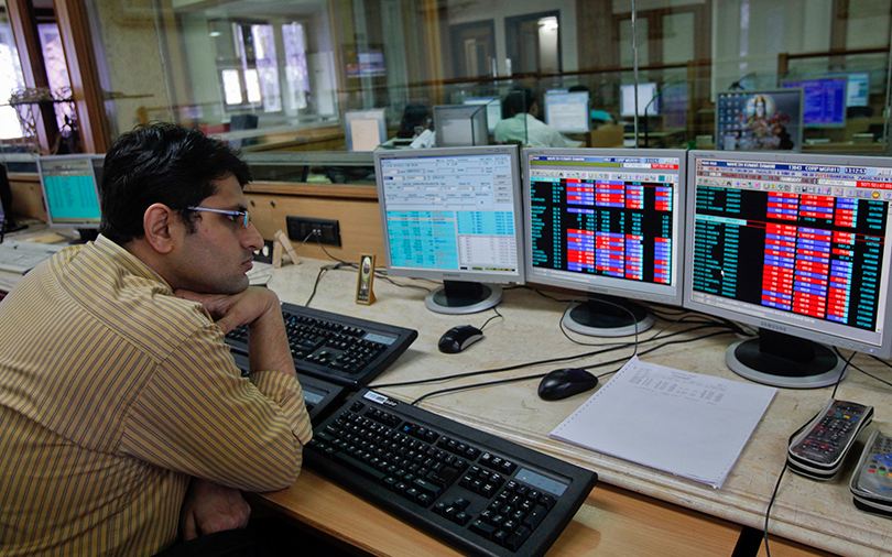 Weak Infosys guidance drags Sensex down