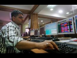 Sensex rises for third day in a row as IT, bank shares gain