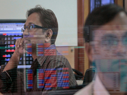 Sensex ends lower after RBI warns of inflation