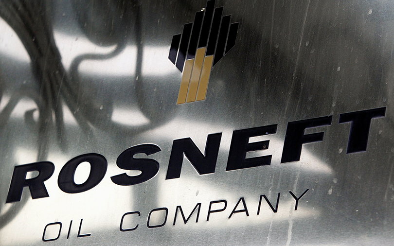 Rosneft's $12.9 bn Essar Oil deal delayed over debt troubles