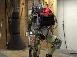Why point-to-point robots are the future of e-commerce