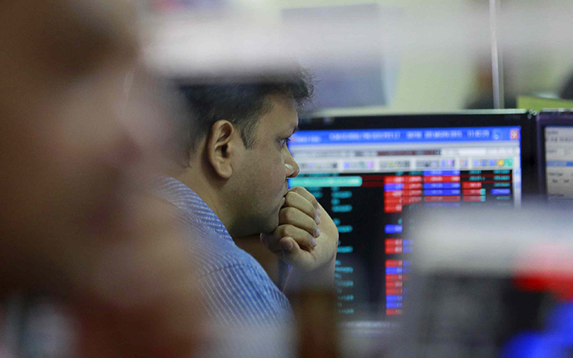 Bank stocks drag Nifty to one-month low