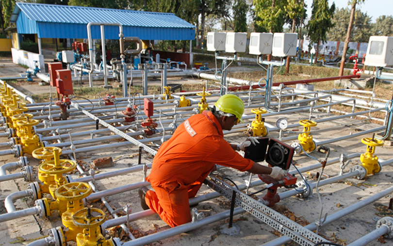 Govt clears plan to sell stake in Hindustan Petroleum to ONGC