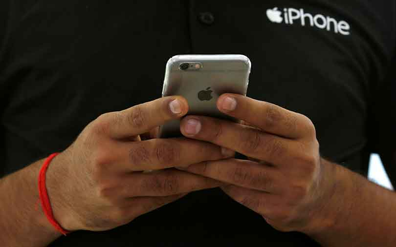 Apple seeks tax incentives for suppliers to make iPhones in India