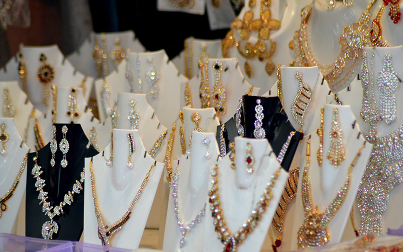 Tara Jewels eyes 49% stake in Australian jewellery retailer