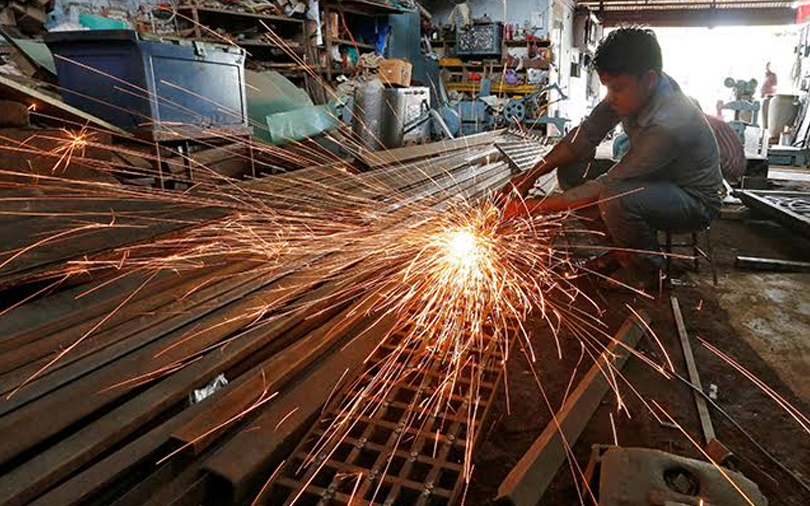India factory activity expansion at five-year high in December