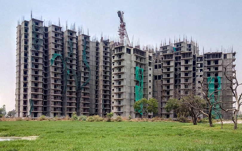 Essar's $350 mn realty deal with RMZ fizzles out; ace investor in talks
