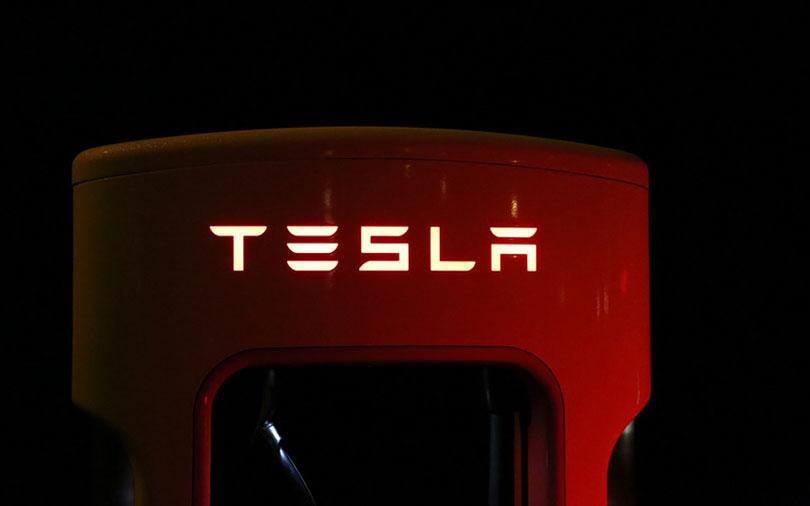 Tesla to unveil electric truck prototype amid Model 3 manufacturing mess